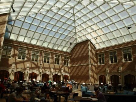 ワシントン大学ロースクール.JPG